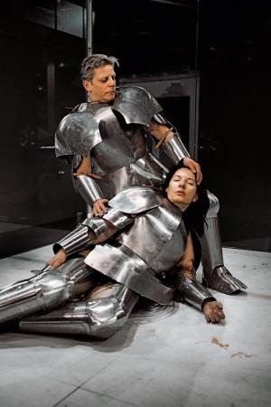 Virgin Warrior Pieta de Abramovic en la exposición Heroínas del Museo Thyssen en Madrid