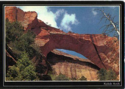 Arco natural rocoso Kolob Arch en el Parque Nacional Zion, Utah - Estados Unidos