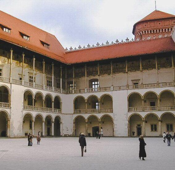 Castillo Real en la Colina de Wawel de Cracovia