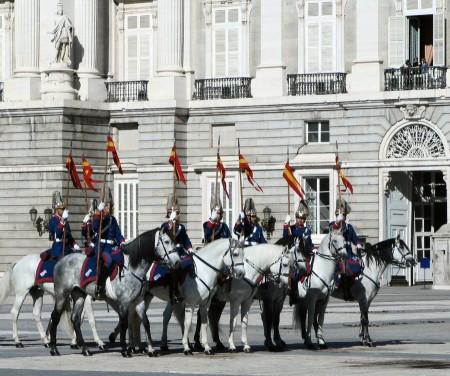 Caballería en el Cambio de Guardia con Relevo Solemne en el Palacio Real de Madrid