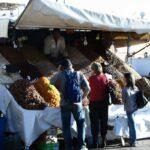 Puesto de venta de dátiles en la Plaza Jemaa El Fna de Marrakech - Marruecos
