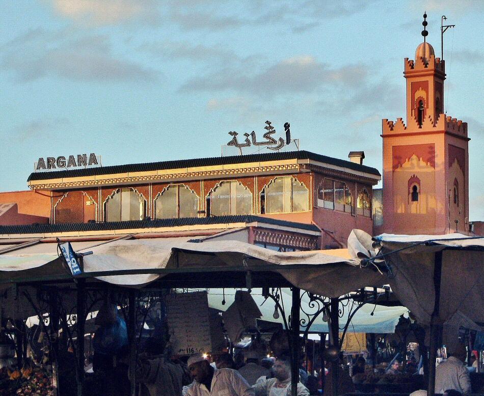 Terraza del café Argana en plaza Jemaa El Fna de Marrakech
