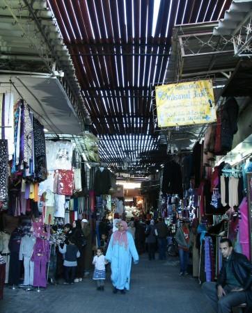 Pasajes en los Zocos junto a la Plaza Jemaa El Fna en Marrakech - Marruecos