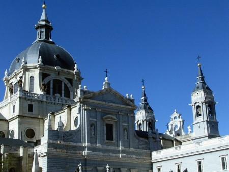 Catedral de la Almudena de Madrid junto al Palacio Real