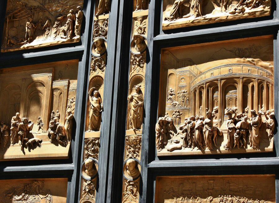 Bajorrelieve de las Puertas del Paraiso en el Baptisterio de Florencia