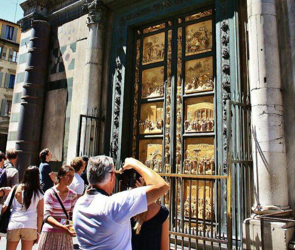 Puertas del Paraíso en el Baptiesterio de Florencia