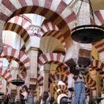 Bosque de columnas en la Mezquita de Córdoba