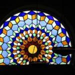 Vidriera en la Mezquita de Córdoba en España