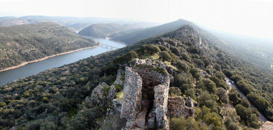 Vistas desde el Castillo del parque nacional de Monfrague en Extremadura