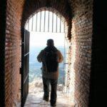 Puerta de la del Castillo de Monfrague en el parque nacional en Extremadura