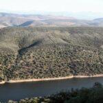 Vistas del Tajo desde el Castillo del parque nacional de Monfrague en Extremadura