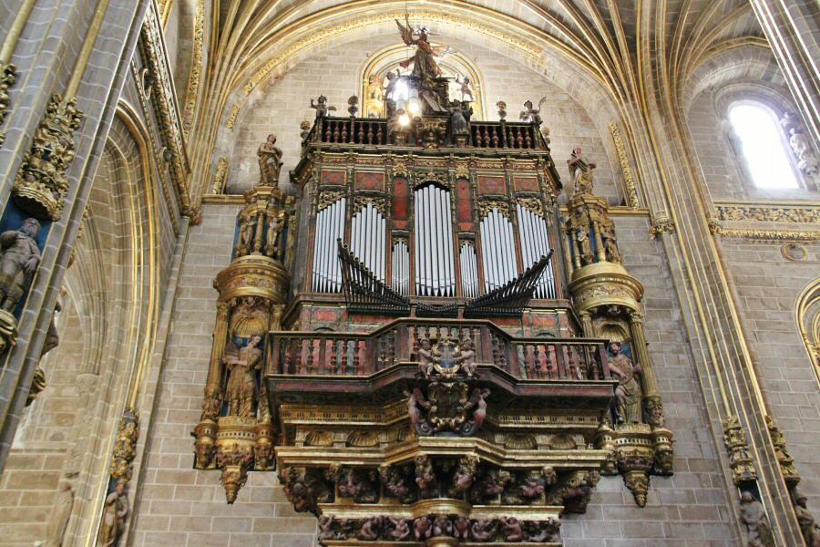 Resultado de imagen de organo catedral plasencia