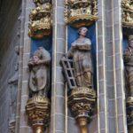 Figuras escultóricas en la Catedral Nueva de Plasencia