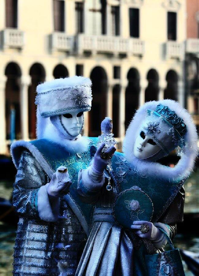 Ambiente en la calle en las fiestas del Carnaval de Venecia
