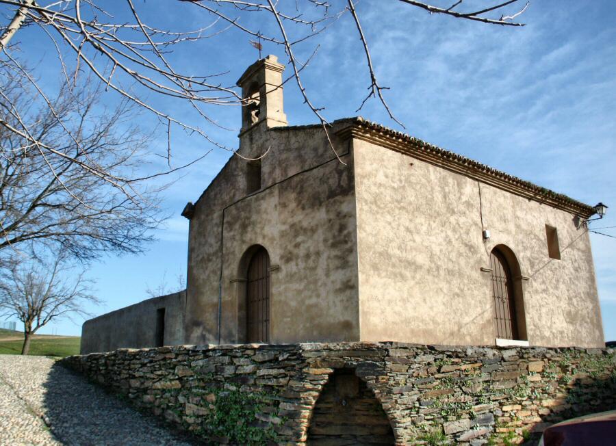 Ermita Virgen del Socorro en Villarreal de San Carlos en Monfrague en Extremadura