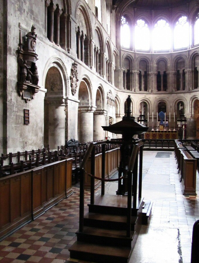 Iglesia normanda de St Bartholomew the Great en Londres