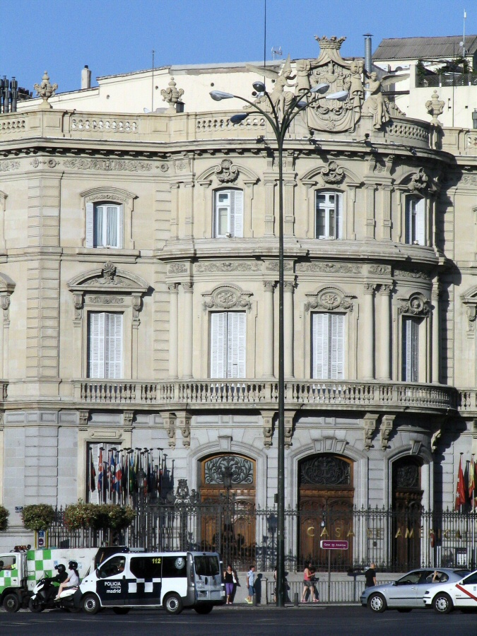 Palacio de Linares en la plaza de Cibeles de Madrid
