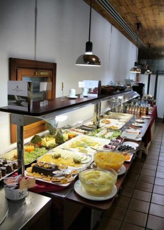 Desayuno buffet de la Hospedería Parque de Monfrague en Extremadura