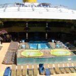 Piscinas con techo desplegable en el barco de cruceros Costa Serena