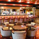 Salón cafetería del barco de cruceros Costa Serena