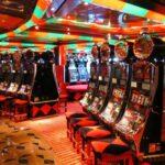 Casino en el interior del barco de cruceros Costa Serena