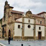 Iglesia de los padres franciscanos en Avilés en Asturias