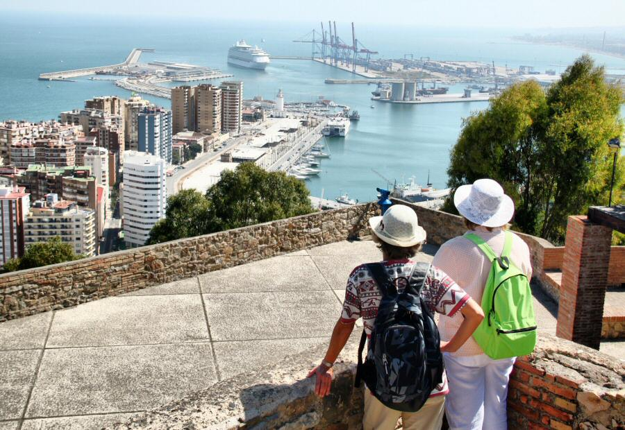 Vistas panorámicas de Málaga desde el Castillo de Gibralfaro en Andalucia