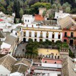 Vistas panorámicas del Patio de Banderas desde la Giralda de Sevilla