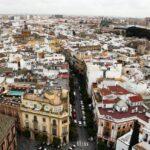 Vistas panorámicas del Barrio de Santa Cruz desde la Giralda de Sevilla