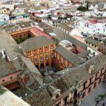 Vistas panorámicas del Palacio Arzobispal desde la Giralda de Sevilla