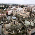 Vistas panorámicas de la plaza del Triunfo desde la Giralda de Sevilla