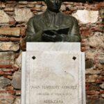 Monumento commemorativo en la Alcazaba de Málaga
