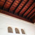 Techo artesonado en el interior del Pabellón de la Alcazaba de Málaga