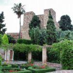 Jardines en el interior de la Alcazaba de Málaga