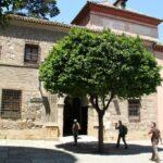 Acceso posterior a la Catedral de la Encarnación de Málaga