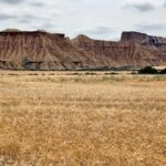Paisajes de parque natural de Bardenas Reales en Navarra