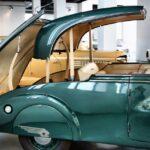 Detalle de un descapotable clásico en Museo Automovilístico de Málaga