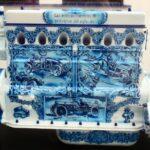 Motor de cerámica en Museo Automovilístico de Málaga