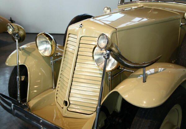 Renault de 1932 en el Museo Automovilístico de Málaga