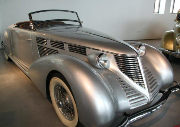 Lancia Astura de 1938 en Museo Automovilístico de Málaga