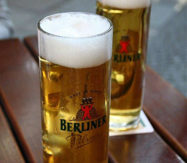 Cerveza típica alemana en Berlín