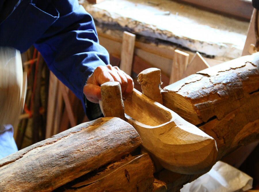 Fabricación de madreñas en el Taller de Madreñas de Pendones en Asturias