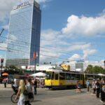 Tranvías en Alexanderplatz en Berlín
