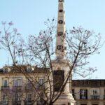 Columna en la plaza de la Merced en el centro histórico de Málaga