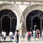 Fachada de la Estación del Rossio en Lisboa