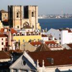 Vistas panorámicas de la Sé Catedral de Lisboa desde el Elevador de Santa Justa
