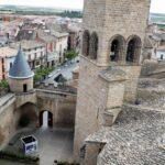 Iglesia de Santa María desde el Castillo Palacio Real de Olite en Navarra