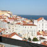 Vistas panorámicas desde el mirador de Santa Lucía en Lisboa