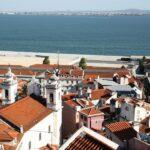 Barrio Alfama desde el mirador de Santa Lucía en Lisboa