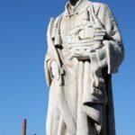 Estatua de San Vicente desde el mirador de Puertas del Sol en Lisboa